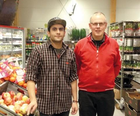 Hamidullah trivs med sitt praktikjobb på ICA Matmästar´n i Högsby